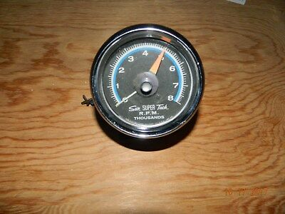 Sun Super Tach SST-802 8000 RPM Tachometer and Chrome Mounting Cup