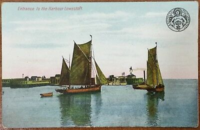 Entrance To The Harbour - Lowestoft - Bayfields Series Unwritten Postcard