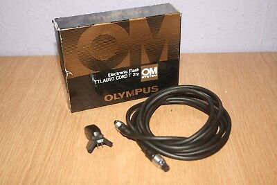 Olympus OM Electronic Flash TTLAUTO CORD T 2m with camera mount adapter