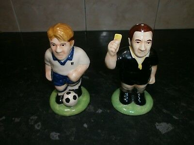 Fab Cc Hp Novelty Porcelain Cruet Set, Footballer & Referee Salt & Pepper Pots
