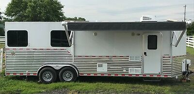 Dixie Star 9' LQ Bumper Pull with Slide Out