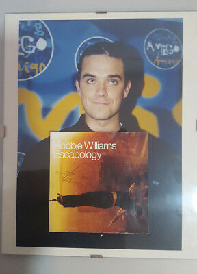 "Robbie Williams ""escapology"" Album Cover Signed By The Artist In Madrid In 2003"