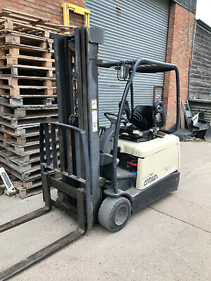 Crown 1800kg Electric Fork Lift Truck and Charger - Please see description