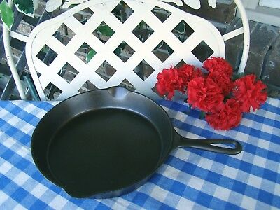 Favorite Piqua Miami #8 Cast Iron Skillet with Heat Ring – Cleaned and Seasoned