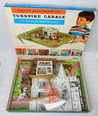 Vintage 1964 Remco Magnetic Powered TurnPike Car Garage 671 Play Set Mint in Box