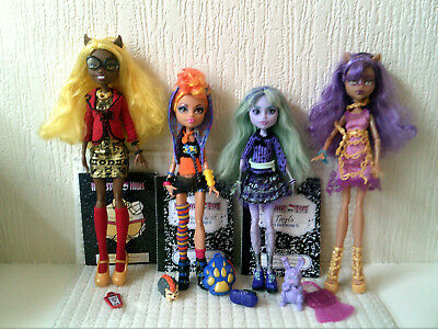 Monster High Bundle 4 Dolls Wolf Sisters & Twyla