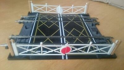Oo Gauge Hornby Double Track Level Crossing With Gates.