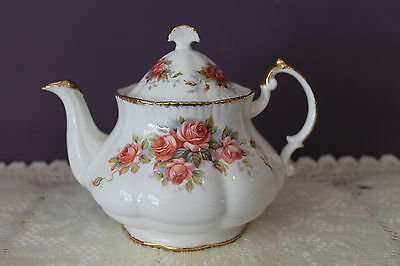 Gorgeous Paragon Teapot - Elizabeth Rose