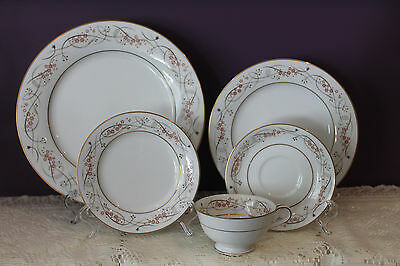 Noritake China Japan 5 Piece Place Setting 5778 Calvert