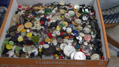 Huge Lot Unsearched Antique Victorian / Vintage Buttons ~ Estate Sale of Buttons