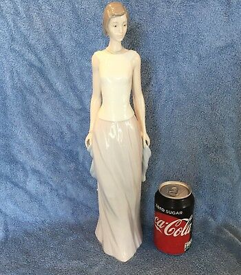 """Lladro """"cocktail Party"""" #6655 Lady Off To A Party Mint In Original Box Very Rare"""