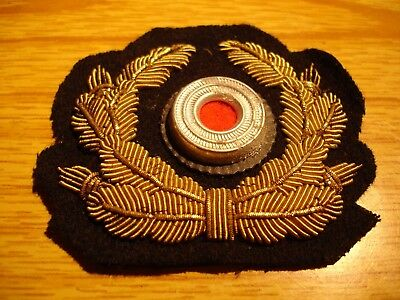 WW2 German Army Officers Gold Bullion Wire Visor Hat Wreath Badge with Roundel
