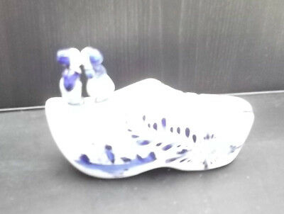 Delft Shoe  Approx 5 inches.