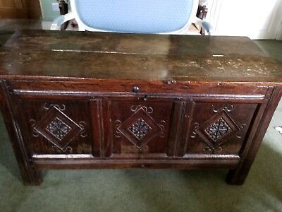Antique 18thC oak coffer blanket box mule chest. Storage. Hinged lid.