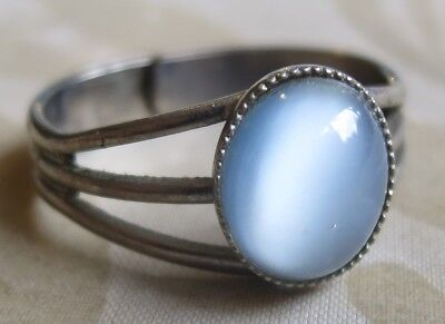 Lovely Vintage 70's Light Blue Glass Stone Adjustable Ring Silver Tone (6319)