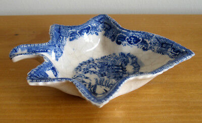 Late 18th / Early 19th Century Blue & White Pearlware Leaf Shaped Pickle Dish