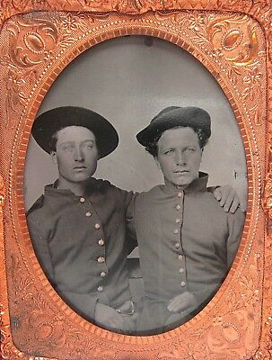 Civil War Tintype - Two Soldiers - Brothers? - 1/4 Plate Photo - Original Case