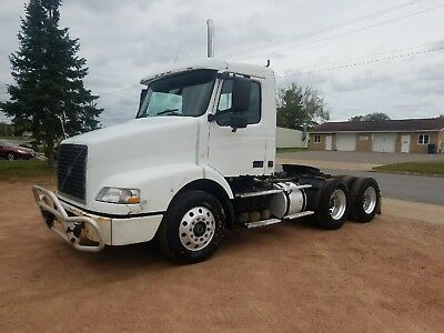 2005 Volvo Daycab Ved12 Engine 395Hp Manual 10 Speed Runs Great