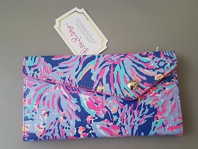 Lilly Pulitzer foldable sunglass case iris blue shrimply chic Brand New
