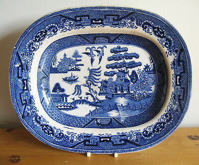 """Early 19th Century Blue & White Willow Pattern Serving Plate - 27cm/10.5"""" Wide"""