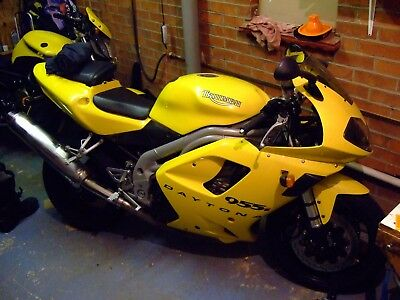 Triumph 955i Daytona super sports Bike. v fast