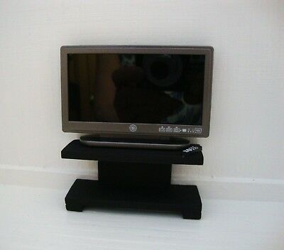 1:12 scale TV and Stand for dolls house