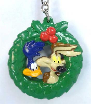 Cool WILE E COYOTE and ROAD RUNNER Wreath Keychain