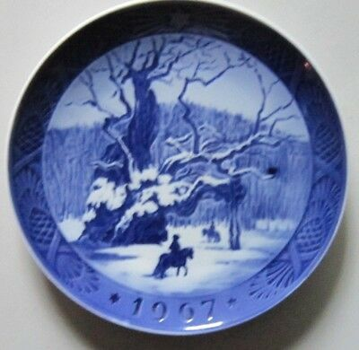 "ROYAL COPENHAGEN, Christmas Plate 1967 "" The Royal Oak"" 2 Quality"