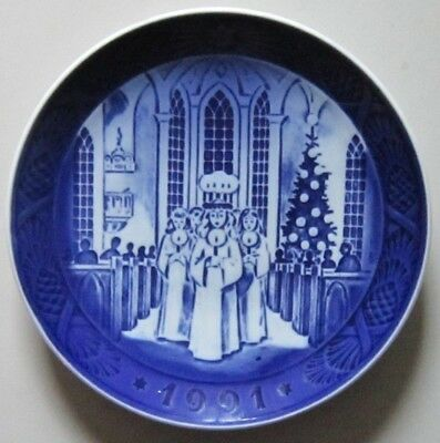 ROYAL COPENHAGEN, Christmas Plate 1991 The festival on Santa Lucia 1 Quality