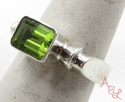 Sterling Silver 925 Emerald Cut Solitaire Peridot Ring Sz 6.25 (5.1g) - 575276