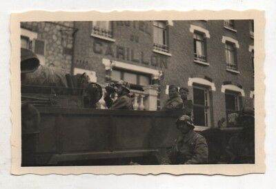 Original Period Ww2 German Photograph Group Outside Hotel Carillon France?