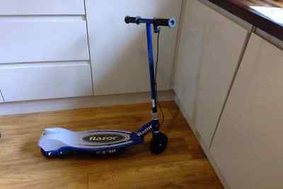 Razor E90 Electric Scooter blue kids includes manual and charger NO RESERVE