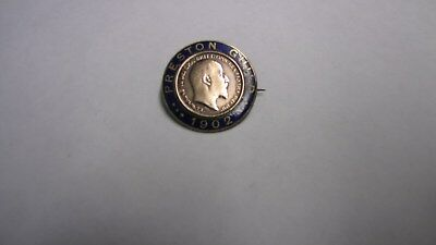 PRESTON GUILD.  1902,  ENAMELED 1902 farthing  BADGE   SUPERB CONDITION.