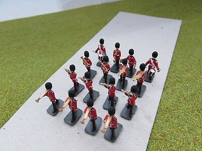 16 x 1/72 20mm British Marching Guards Bandsmen Painted