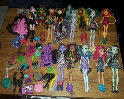 Monster High doll bundle, 13 dolls, clothes, accessories etc