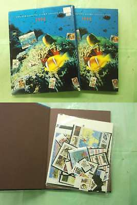3264 US 1994 Stamp Year Book will all stamp in sealed package Cat Val=215