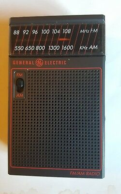 1988 General Electric AM / FM Toyota Branded Transistor Radio Model 2582G