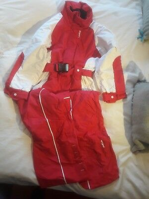 Wedze all in one kids ski suit in excellent condition age 8 years height 125cm