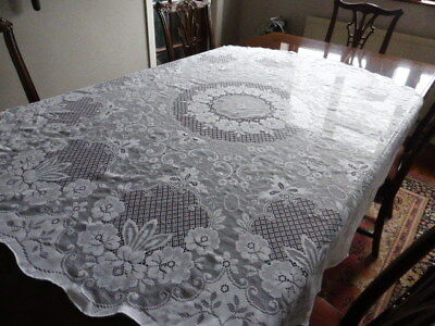 White round lace table cloth