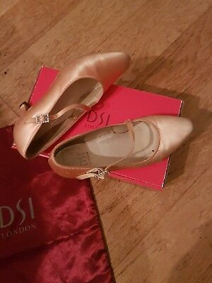 Ladies Ballroom Dance Shoes By Dsi Size 4