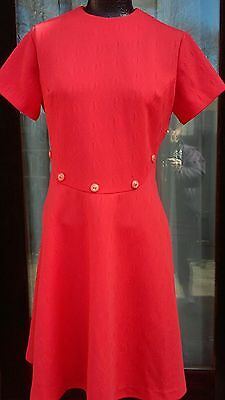 Retro SS 60S DRESS POLY BLEND BUTTON TRIM CORAL TEXT FABRIC 36-29-46