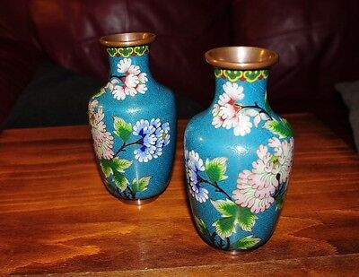 Beautiful pair of antique Vintage Chinese cloisonne Vases RA21