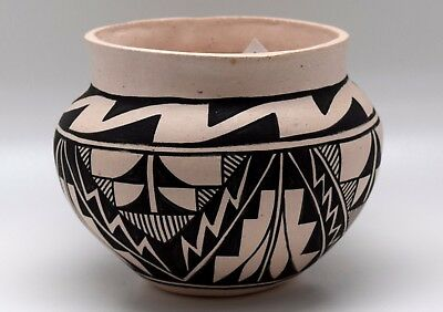 Superb Small Virgil Pino Laguna Pueblo Bowl/free Ship/polychrome