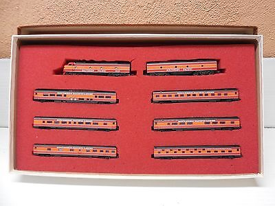 """Con-Cor #0001-004302 N Scale  Southern Pacific """"DayLight"""" Collector Set"""