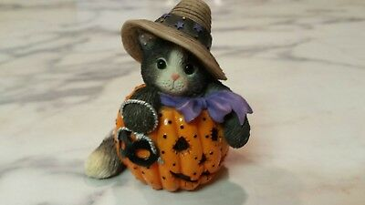 CALICO KITTENS HALLOWEEN Carving a Season of Smiles 1997 Cats Pumpkin Holiday