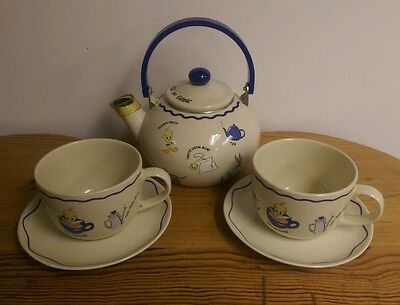 Warner Brothers Studio Vintage Tea Pot with Matching Large Cups & Saucers