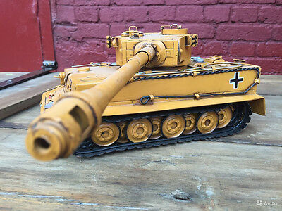 TIGER TANK Panzerkampfwagen VI tin toy tinplate car blechmodell handmade