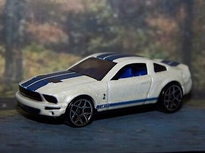 Hot Wheels 2007 Ford Mustang Shelby GT-500  package fresh  F