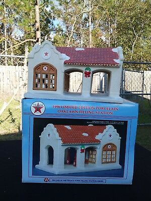1996 Texico Limited Edition Porcelain Oaklawn Gas Station 2nd in Series
