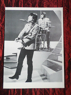 John Lennon  -  Pop Music  - 1 Page  Picture- Clipping/Cutting - #2
